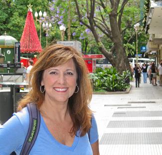 Strolling along the elegant shopping street, Calle Florida