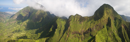 Fabulous pano of the mountains behind Lahaina... - Photo © Carl Amoth