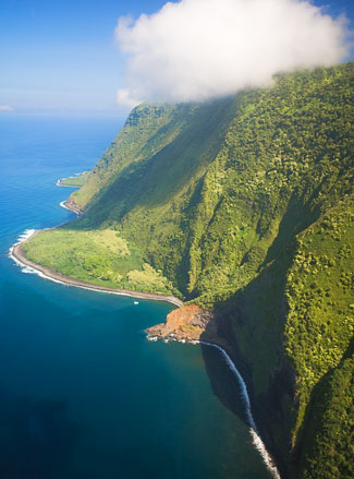 Second view of the highest sea cliff's in the world - on Molokai  - Photo © Carl Amoth