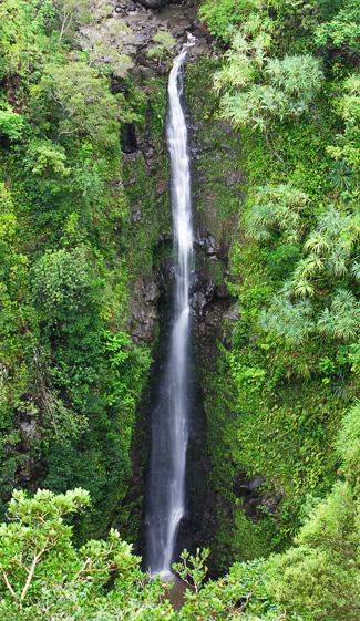Lower Puohokamoa Waterfall - Photo © Carl Amoth