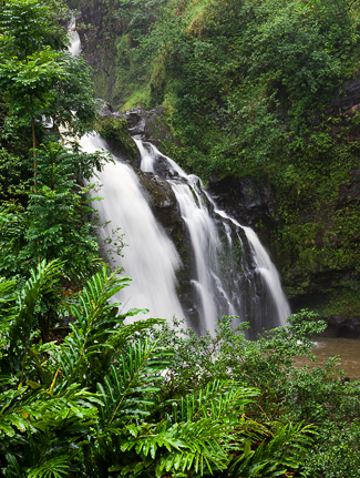 Upper Waikani Falls - Photo © Carl Amoth