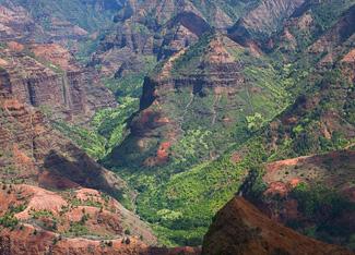 Waimea Canyon - Photo © Carl Amoth